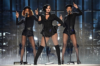 performs onstage during the 2015 American Music Awards at Microsoft Theater on November 22, 2015 in Los Angeles, California.